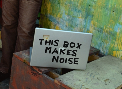 Review: Joe Mattzie – This Box Makes Noise