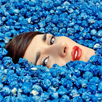 Review: Yelle – Complètement Fou