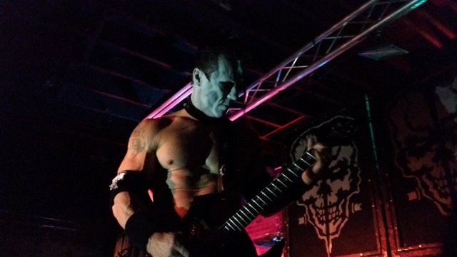 Doyle strummed one power chord on his Oktober Annihilator at the Mushroomhead show ... and promptly blew the power at Area 51.