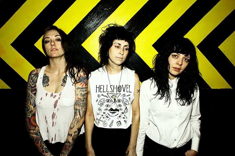 The Coathangers: Suck My Shirt!