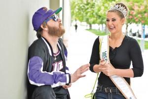 (L–R) Mike Brown and Miss Utah Rylee Coggins talked Utah trivia during their outing at Temple Square.