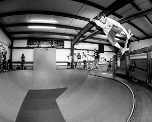 Parley Southworth (1st Place), nose blunt bomb drop from the railing.