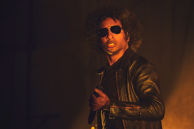 For a brief moment William DuVall looks into the camera for a quick photo before returning to his set with Alice in Chains. Photo: Talyn Sherer