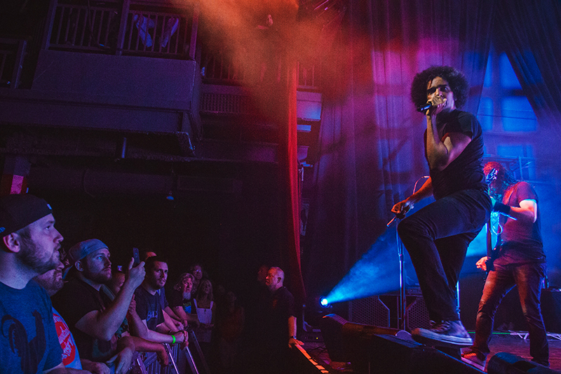 The fans gaze in awe as William DuVall greets them on stage with Alice in Chains. Photo: Talyn Sherer