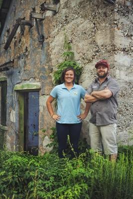 (L–R) Hops Hunters McKenzie Schwartz (Summit Land Conservancy) and Justin Kingsford (Wasatch Brewery).