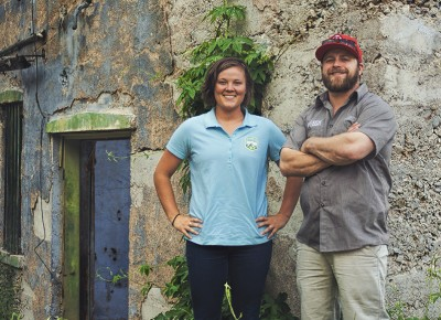 (L–R) Hops Hunters McKenzie Schwartz (Summit Land Conservancy) and Justin Kingsford (Wasatch Brewery).