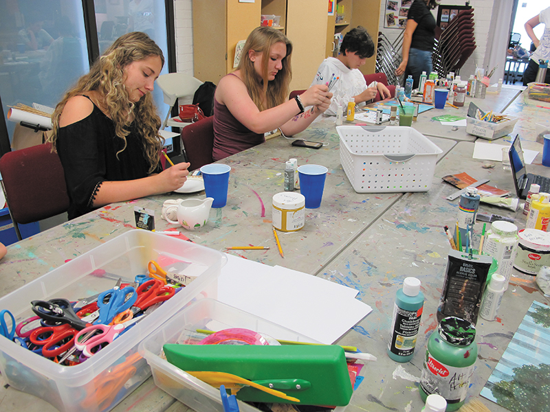 Art Rising: Gallery Stroll Builds Artists Up