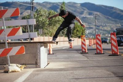Jeremy Jones – frontside noseslide – Draper, Utah