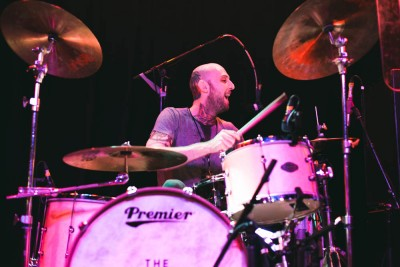 Drummer Mince Fratelli also providing backup vocals for the show.