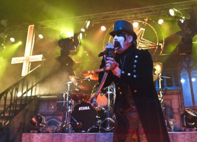 King Diamond unleashes his falsetto. Photo by Madi Smith.