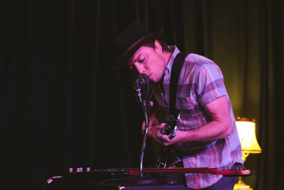 Tone playing guitar and providing vocals on two seperate setups for the audience at Urban Lounge. Photo: @LMSORENSON