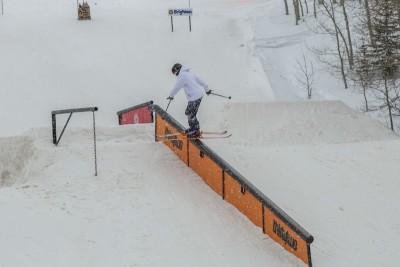 Jake Lewis, Open Men's Ski, backside boardslide. Photo: Cezaryna Dzawala