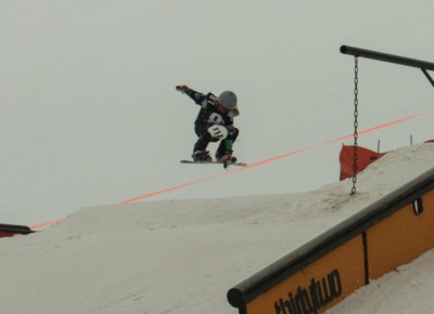 Mattie Neves, 17 & Under Ski, 1st Place. Indy air. Photo: Chris Kiernan