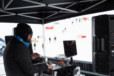 DJ Finale at the helm. He kept everyon motivated with tracks ranging from Minor Threat and Fugazi to De La Soul. Photo: Niels Jensen