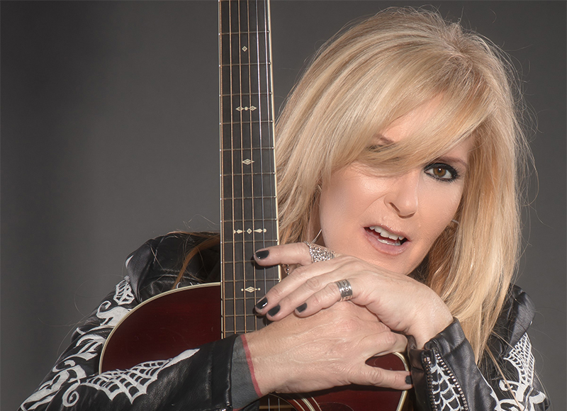 Lita Ford: The Queen of Noize