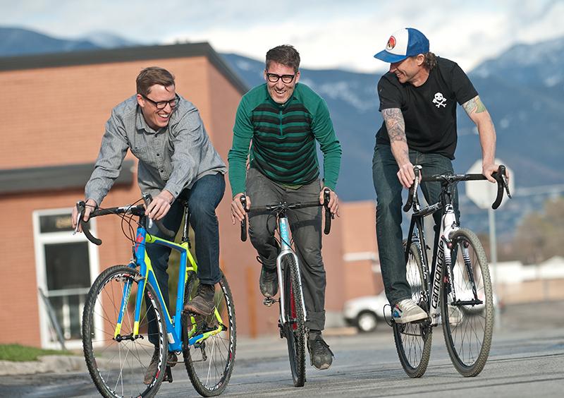 Cyclocross: All the Dirty Deets from Los Playboys Internacionales