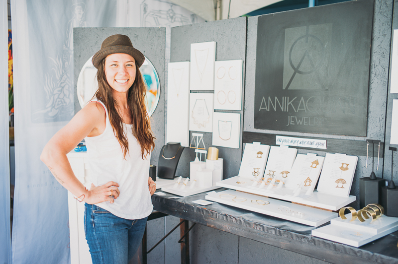 Annika Q. N. Dimeo of Annika Quinn Jewelry was cheery and enjoying the crowds. Photo: @clancycoop