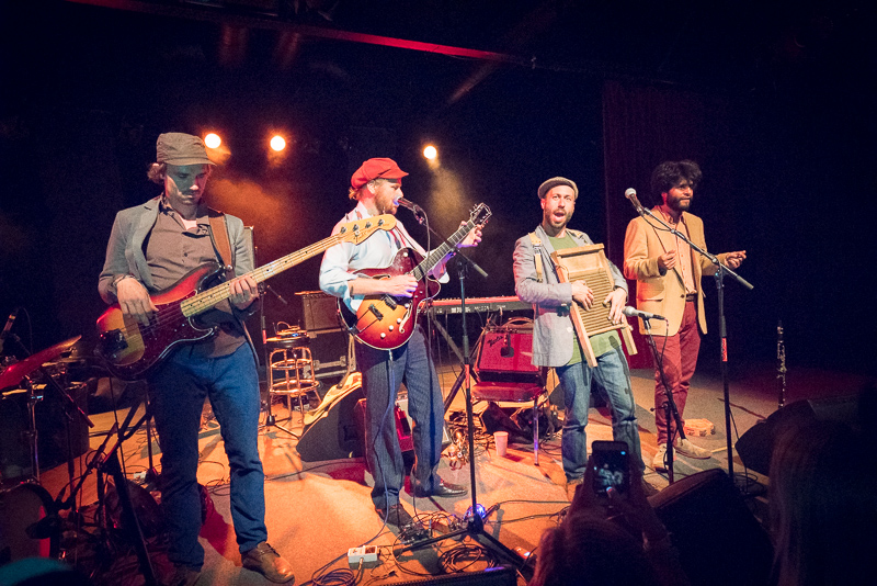 The band changed pace, as they do, and Ben busted out an impressive washboard solo. Photo: JoSavagePhotography.com