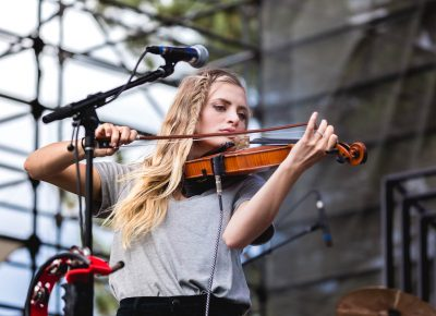 Violin player Megan Taylor of The National Parks. Photo: @Lmsorenson