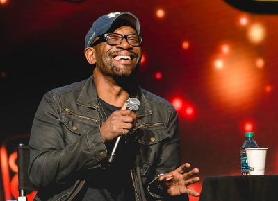 Lennie James, who portrays Morgan on the iconic The Walking Dead series, having a laugh during his panel at Salt Lake Comic Con. Photo: @Lmsorenson