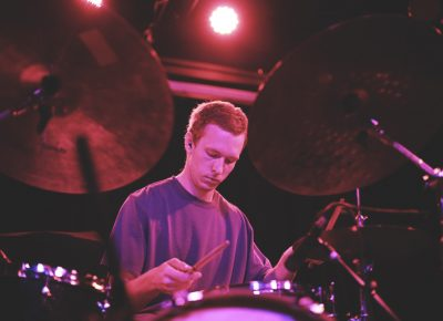 Matthew Anderegg, drummer for Mothers, meticulously keeping the beat. Photo: Logan Sorenson @Lmsorenson