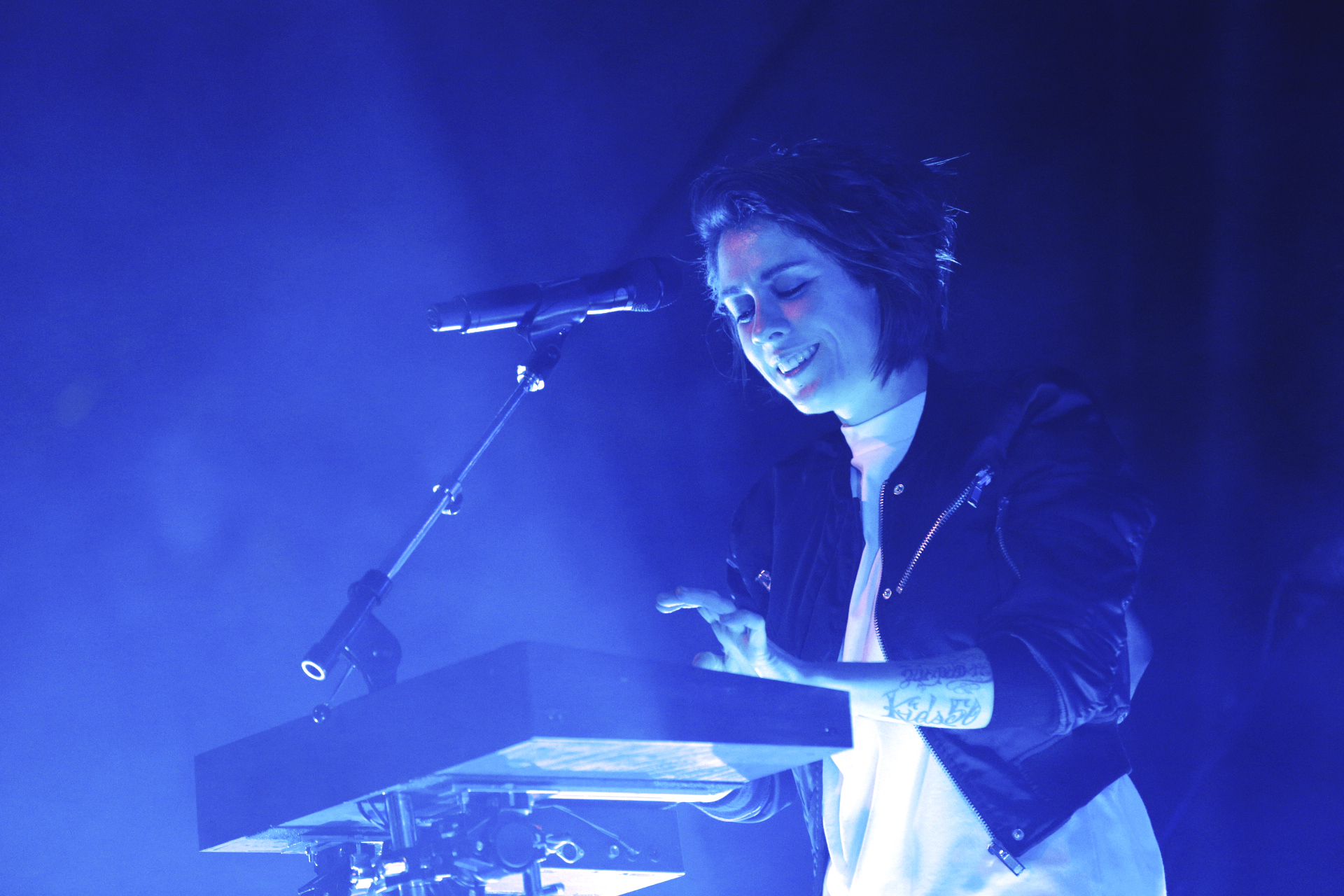 Tegan of Tegan and Sara providing keyboard and vocals at In the Venue. Photo: @Lmsorenson