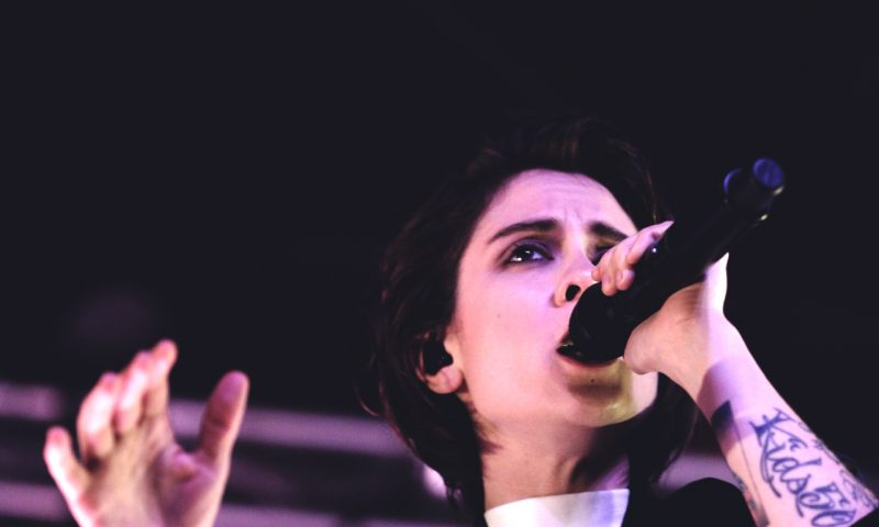 Sara of Tegan and Sara providing vocals in SLC. Photo: @Lmsorenson