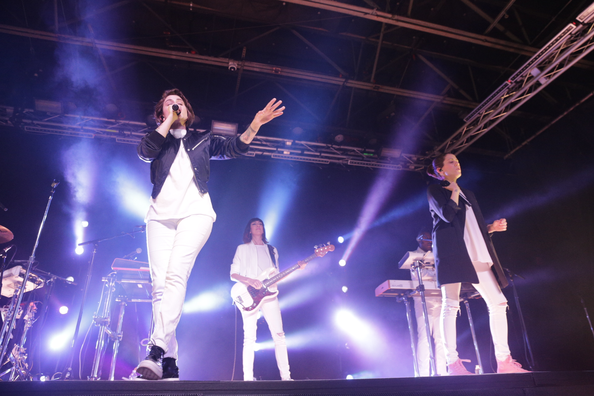 Revamped pop duo Tegan and Sara onstage at In the Venue. Photo: @Lmsorenson