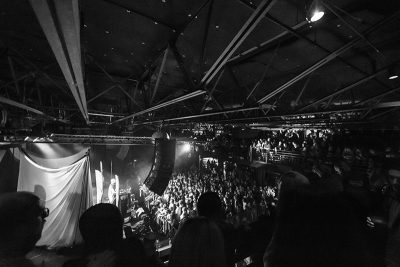 A sold-out In The Venue crowd patiently waits for Phantogram. Photo: ColtonMarsalaPhotography.com