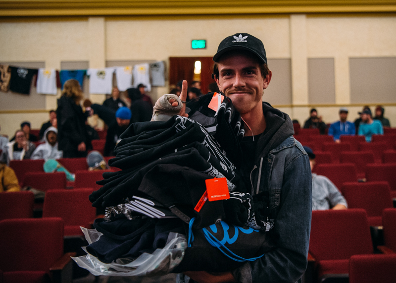 Jacob Peterson (Team Flatspotter) with his winnings. Photo: Niels Jensen