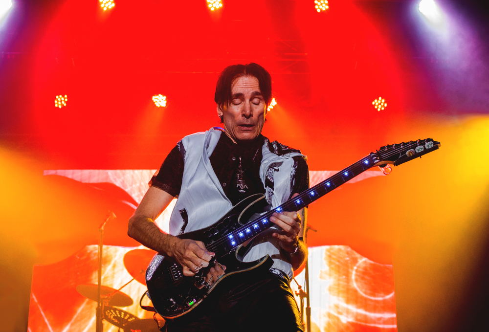 Steve Vai crafted a synesthesia-like experience through every note he played. Photo: Talyn Sherer