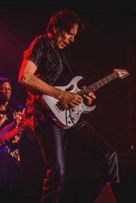 Steve Vai's execution on the guitar was like watching a master orchestral conductor perform in space. Photo: Talyn Sherer