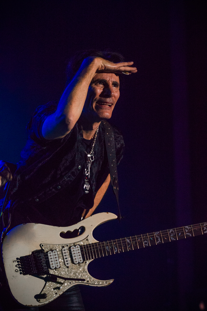 After being blinded by the spotlight for so long, Steve Vai looks out to the sea of screaming fans. Photo: Talyn Sherer