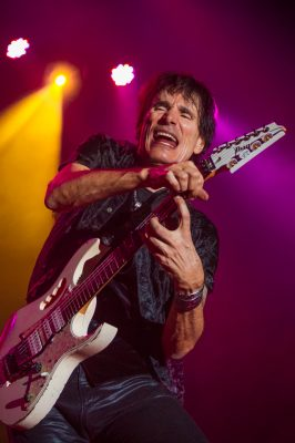 Say what you will about '80s rock bands, but one thing is certain: Steve Vai will out-shred any guitarist on this planet. Photo: Talyn Sherer