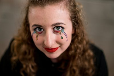 Shae Barber looked like art as she viewed art. Photo: Jo Savage // @SavageDangerWolf
