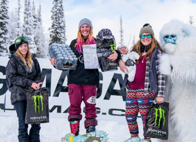 Women's open snow winners. Rachel Westcott (3rd), Sierra Jewett (1st), and Samantha Hobosh (2nd) and her son. Photo: Jo Savage // @SavageDangerWolf