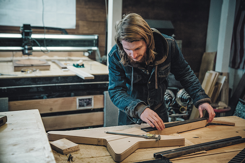 Out of the Woodwork: Four Electric Guitar Luthiers: Ledingham Guitars