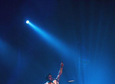 Sameer Gadhia gives us a Freddy Mercury–esc pose as the crowd screams their hearts out. Photo: Talyn Sherer.