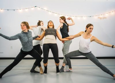 (L–R) Metatransit dancers Tristana Yegge, Amy Falls, Nora Price, Hannah Bowcutt and Laura Skold. Photos: @clancycoop