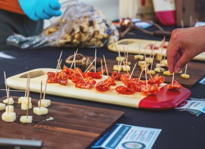 Beehive Cheese Co. combined their powers with Creminelli Fine Meats to provide us with a nice meat and cheese tasting that went very nicely with my wine. Photo: Talyn Sherer