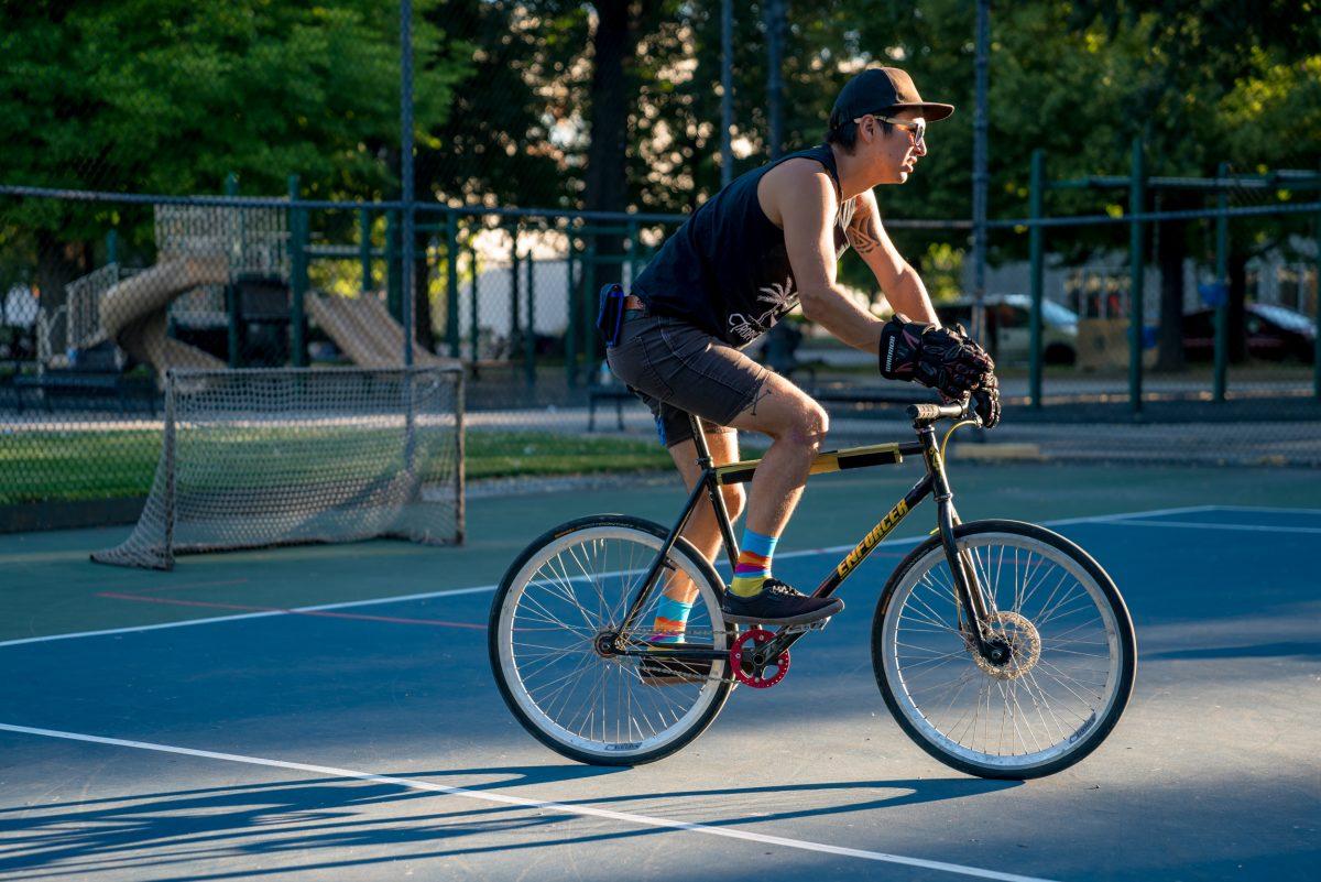 Jimmy Araneda cruisin' with steez. Photo: Jo Savage // @SavageDangerWolf