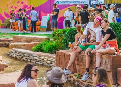 Despite the dry summer heat, The Gateway stream allowed drinkers to cool off between sips. Photo: Talyn Sherer