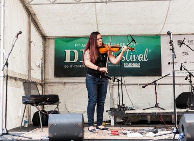 Katya Murafa dazzles with her beautifully intricate violin compositions. Photo: Chris Gariety
