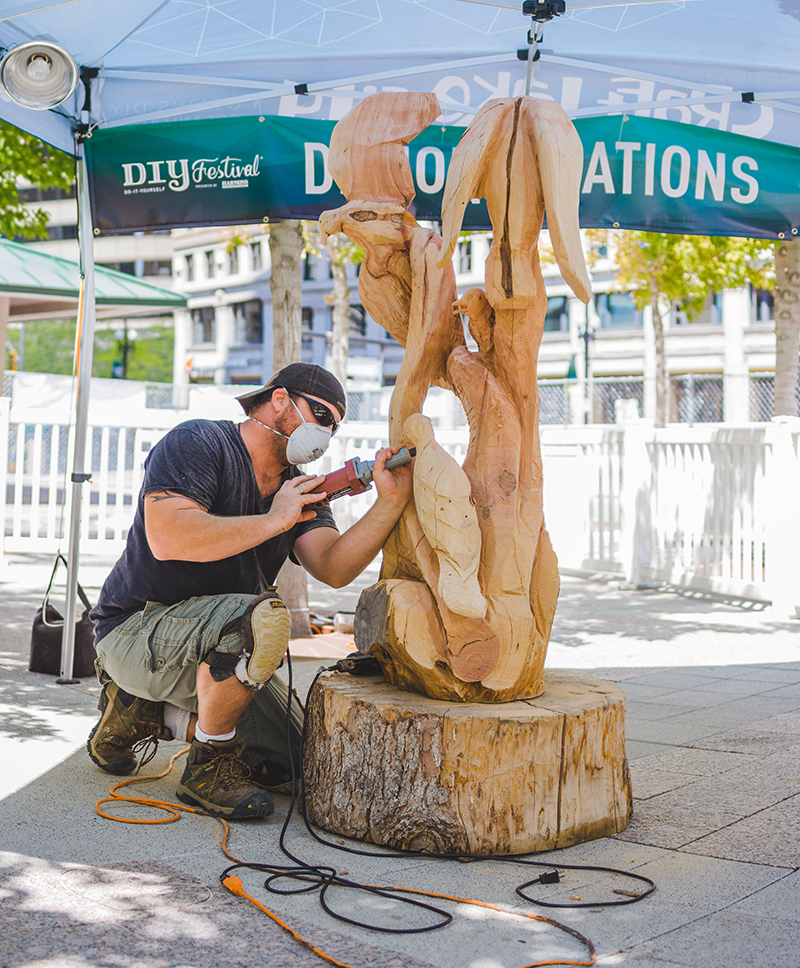 Sean Cudney put on a full day's wood carving demonstration where he carved polished and displayed his masterpiece in front of watchful eyes. Photo: @taylnshererphoto