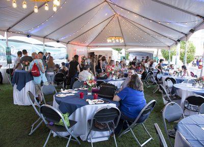 Inside the VIP area, patrons ate food freshly prepared by Harmons. Photo: @jbunds