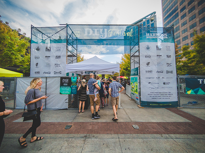 As Sunday's festival begins, crowds of people flock inside for their chance to experience the CLC DIY Festival for all it has to offer. Photo: @taylnshererphoto