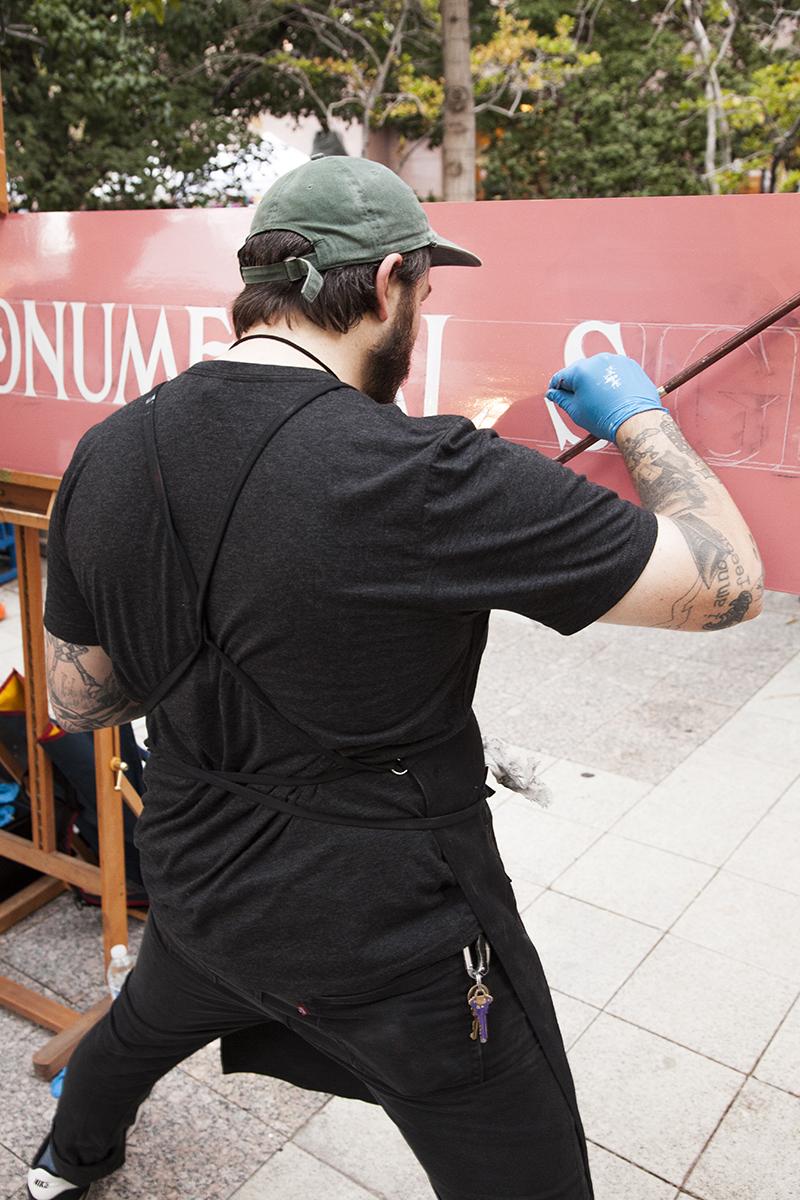 Skyler Chubak's steady hand aiding him during a live lettering demonstration. Photo: @jbunds