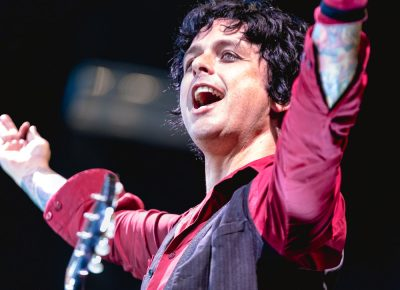 Greeting the audience in Salt Lake City, Billie Joe Armstong, lead singer for Green Day. Photo: Lmsorenson.net