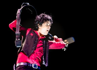 Playing behind his head, Billie Joe Armstrong of Green Day. Photo: Lmsorenson.net