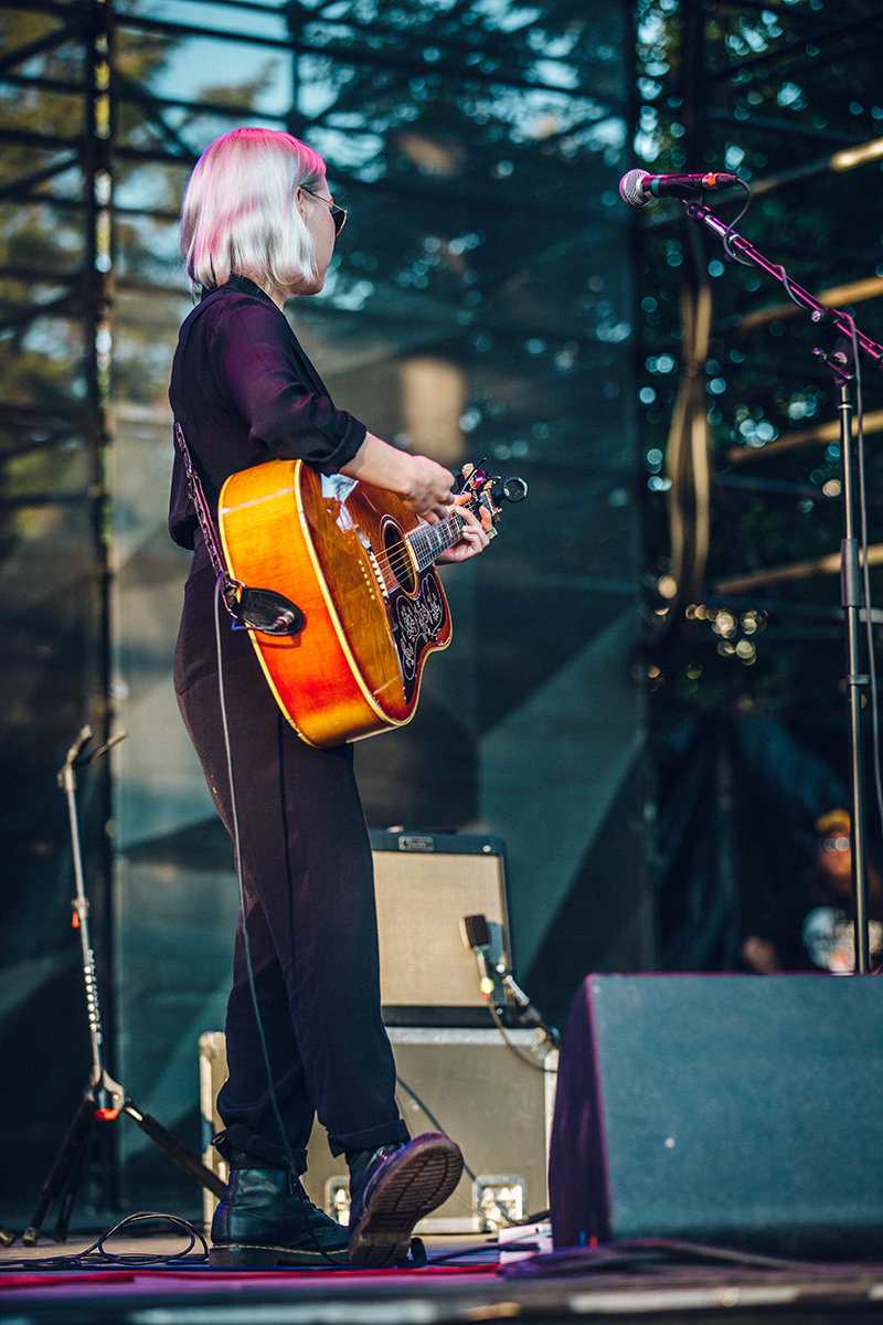 I really appreciated Phoebe Bridgers' outfit, which was clearly thought-out for everything down to the glasses. Photo: johnnybetts.com